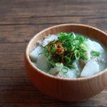 たけのこ芋(京芋)と玉ねぎ、豚肉のお味噌汁