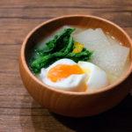 大根と大根菜と半熟卵のお味噌汁