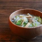 白菜とえのきと油揚げのお味噌汁