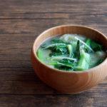 小松菜と油揚げときざみしょうがのお味噌汁
