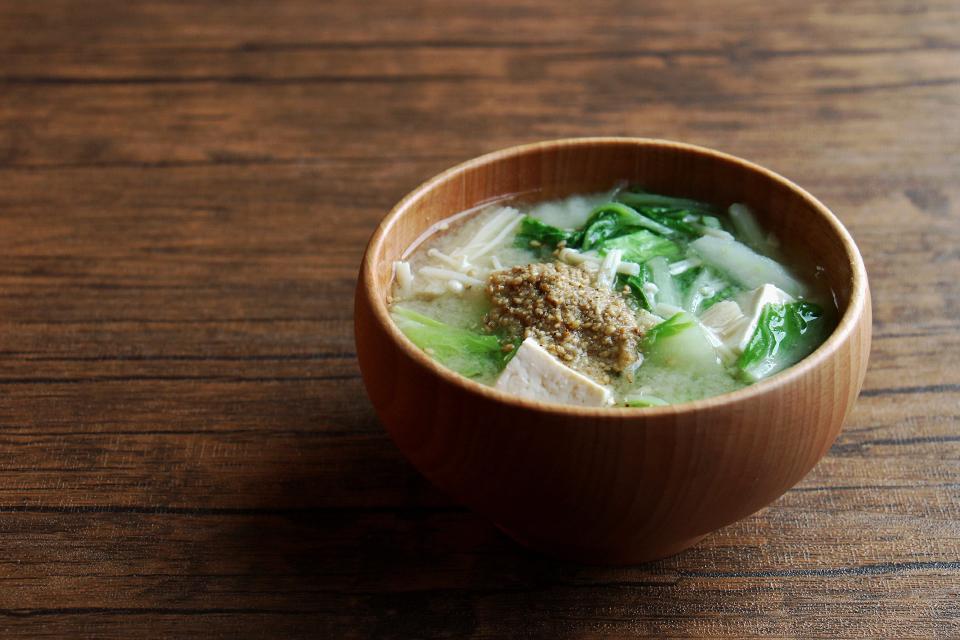 白菜とえのきのお味噌汁