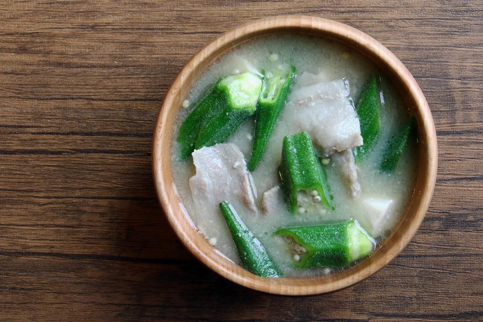 豚肉とオクラのお味噌汁