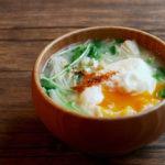 豆苗とえのきと落とし卵のお味噌汁