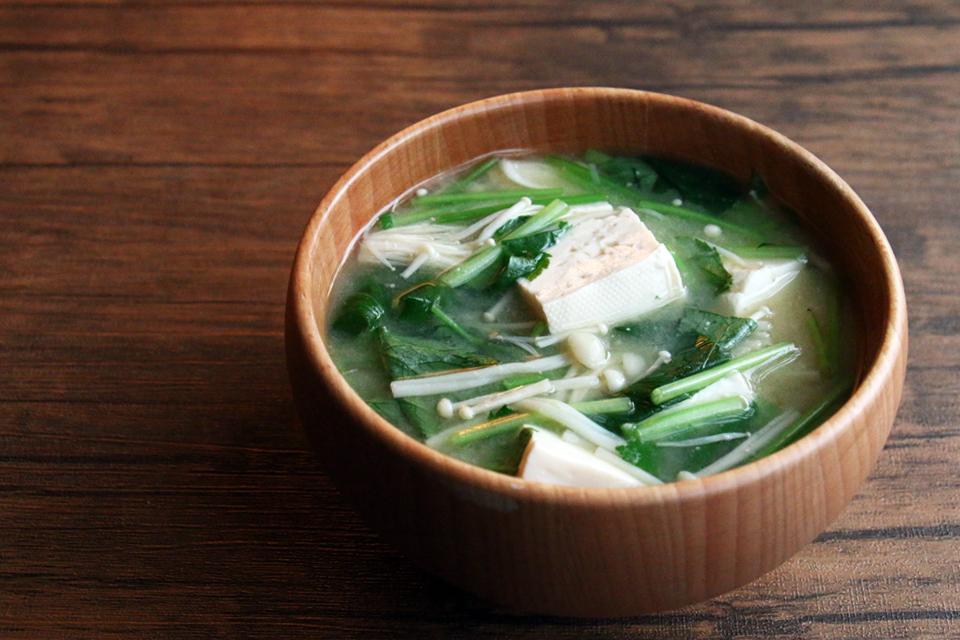豆腐とえのき、みつばのお味噌汁