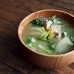 鶏肉と白菜のお味噌汁