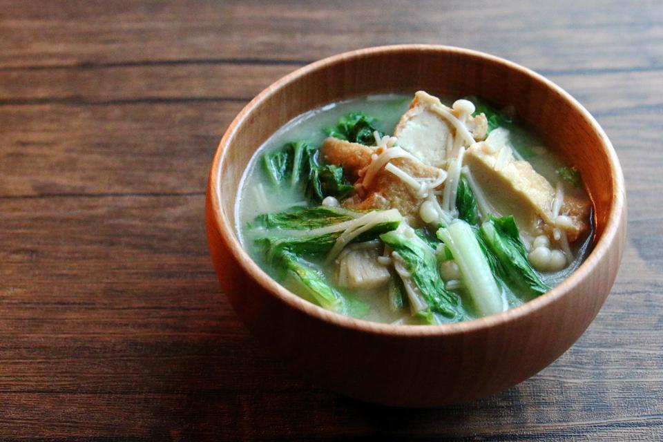 厚揚げとえのきと白菜のお味噌汁
