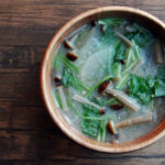 茶えのき茸と大根のお味噌汁